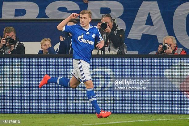 Max Meyer of FC Schalke 04 celebrates after scoring his team's first goal during the Bundesliga match between FC Schalke 04 and Eintracht Frankfurt...