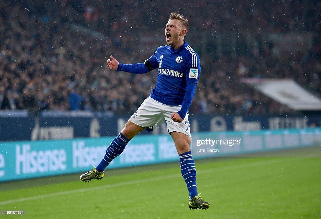 FC Schalke 04 v FC Bayern Muenchen - Bundesliga : News Photo