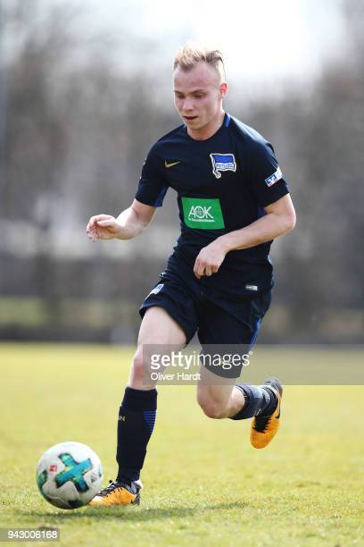 Max Mulack of Berlin in action during the A Juniors Bundesliga match between Hamburger SV and Hertha BSC on April 7 2018 in Hamburg Germany