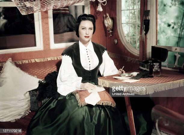 BRD 1955 / Max Ophüls Szene mit MARTINE CAROL Überschrift LOLA MONTEZ / FRA/BRD 1955