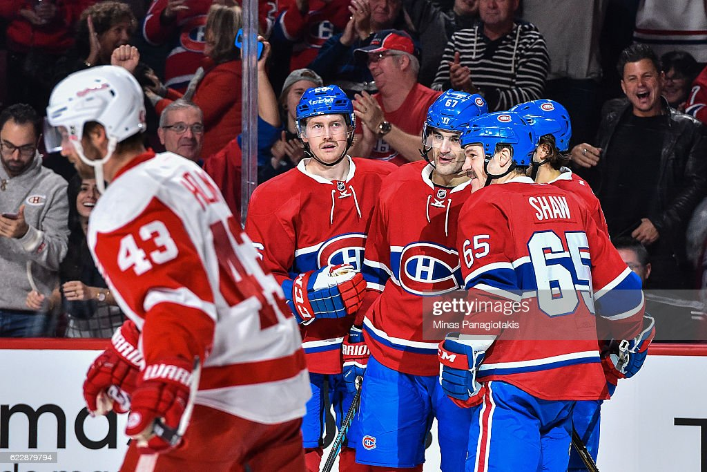 Max Pacioretty #67 of the Montreal Canadiens celebrates his second period goal with teammates during the NHL game against the Detroit Red Wings at the Bell Centre on November 12, 2016 in Montreal, Quebec, Canada.
