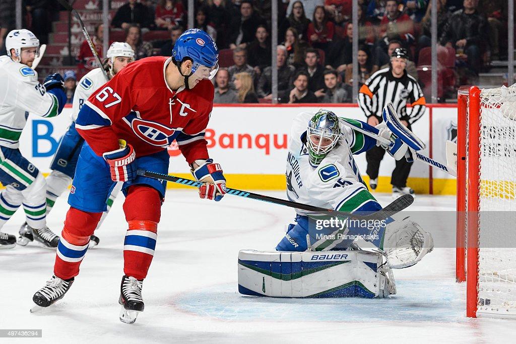 Vancouver Canucks v Montreal Canadiens : Foto di attualità
