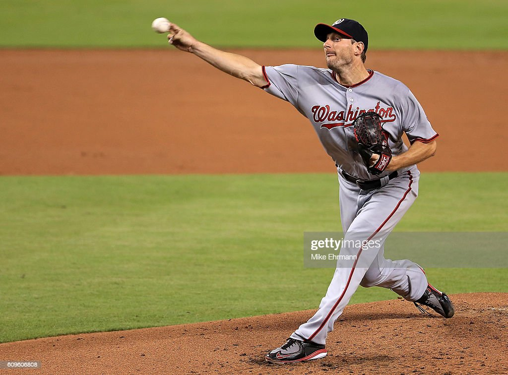 Washington Nationals v Miami Marlins