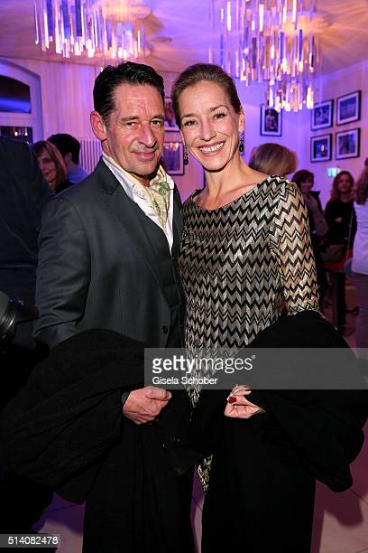 Max Tidof and his partner Lisa Seitz during the premiere of the musical 'Chicago' at Deutsches Theatre on March 6 2016 in Munich Germany