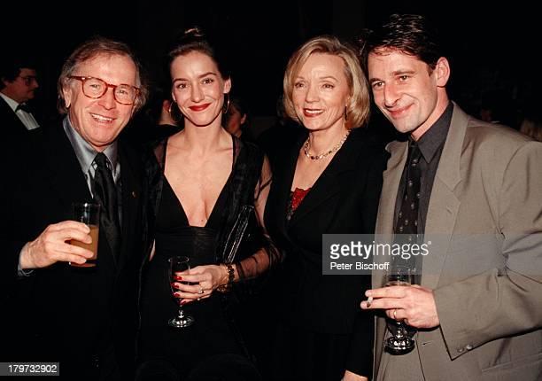 Max Tidof mit Ehefrau Lisa Seitz KlausDoldinger mit Begleitung BayrischerFilmpreis 1998