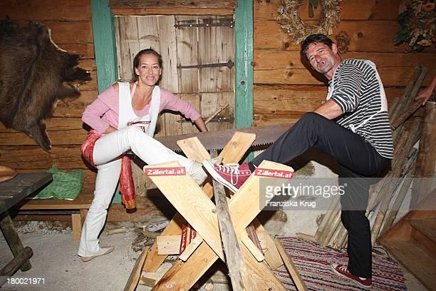 Max Tidof Und Lisa Seitz Bei Der Abendveranstaltung Im Hotel Neuhaus In Mayrhofen Nach Der Ersten Etappe Vom Grossen Grenzverkehr 2007 In Mayrhofen...