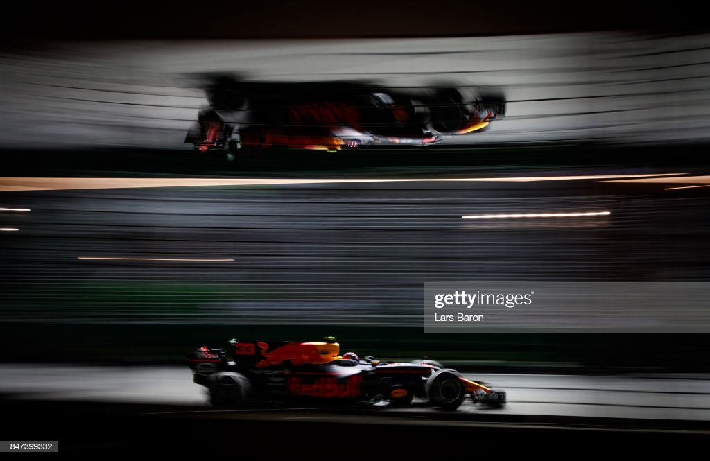 Max Verstappen of the Netherlands driving the (33) Red Bull Racing Red Bull-TAG Heuer RB13 TAG Heuer on track during practice for the Formula One Grand Prix of Singapore at Marina Bay Street Circuit on September 15, 2017 in Singapore.