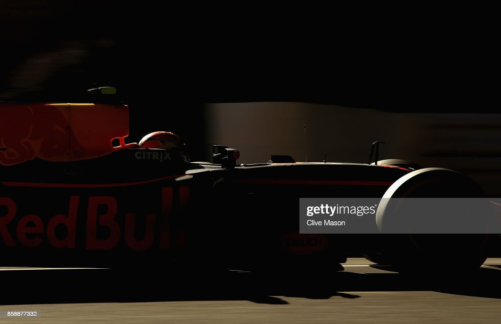 Max Verstappen of the Netherlands driving the (33) Red Bull Racing Red Bull-TAG Heuer RB13 TAG Heuer on track during the Formula One Grand Prix of Japan at Suzuka Circuit on October 8, 2017 in Suzuka.