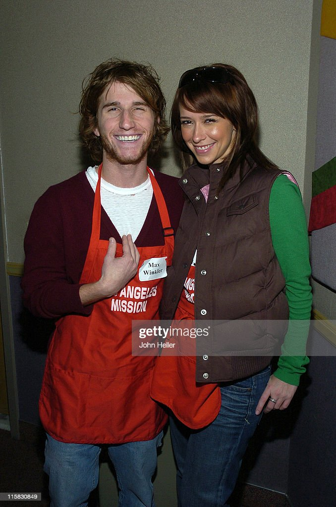 2004 Christmas Eve Meal for The Homeless Hosted by Jennifer Love Hewitt