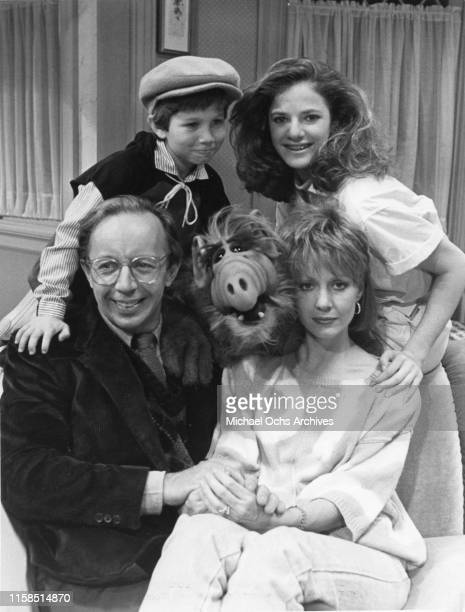 Max Wright Benji Gregory Andrea Elson and Anne Shedeen with ALF aka Alien Life Form in still from the TV show ALF on May 23 1986 in Los Angeles...