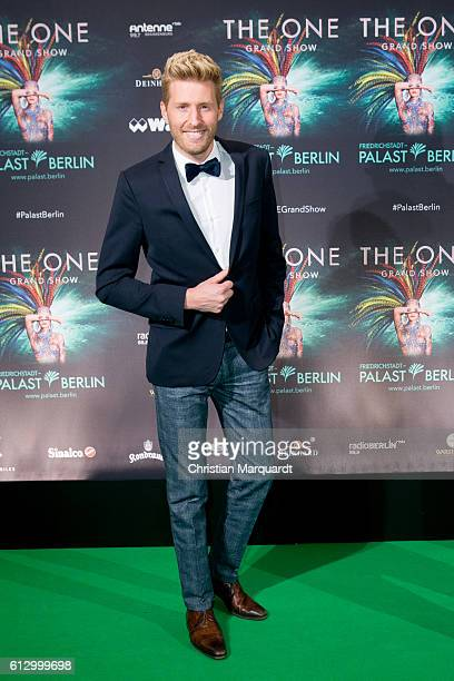 Maxi Arland attends the 'THE ONE Grand Show' World Premiere Dancers at FriedrichstadtPalast on October 6 2016 in Berlin Germany