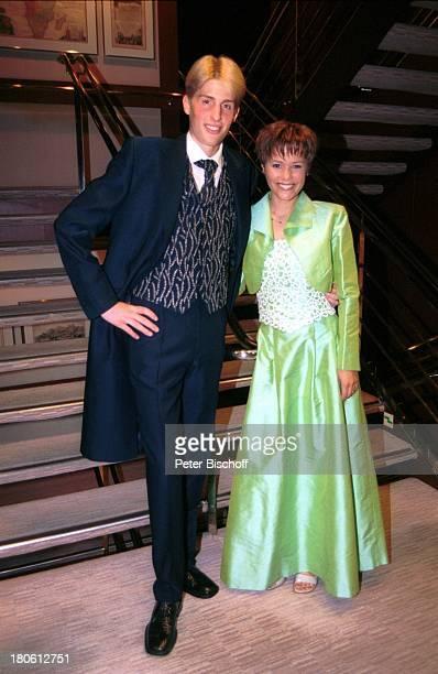 Maxi Arland Francine Jordi MittelmeerKreuzfahrt MS Astor Abendkleidung Schiff