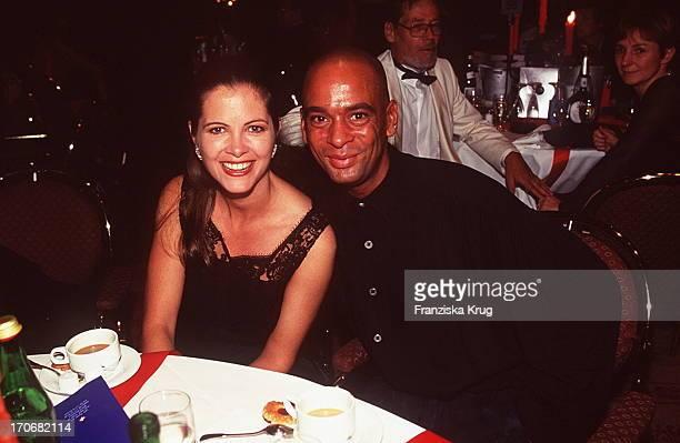 Maxi Biewer Und Pierre Sanoussi Bliss Bei Ufa Film Ball 1996 In Neuss