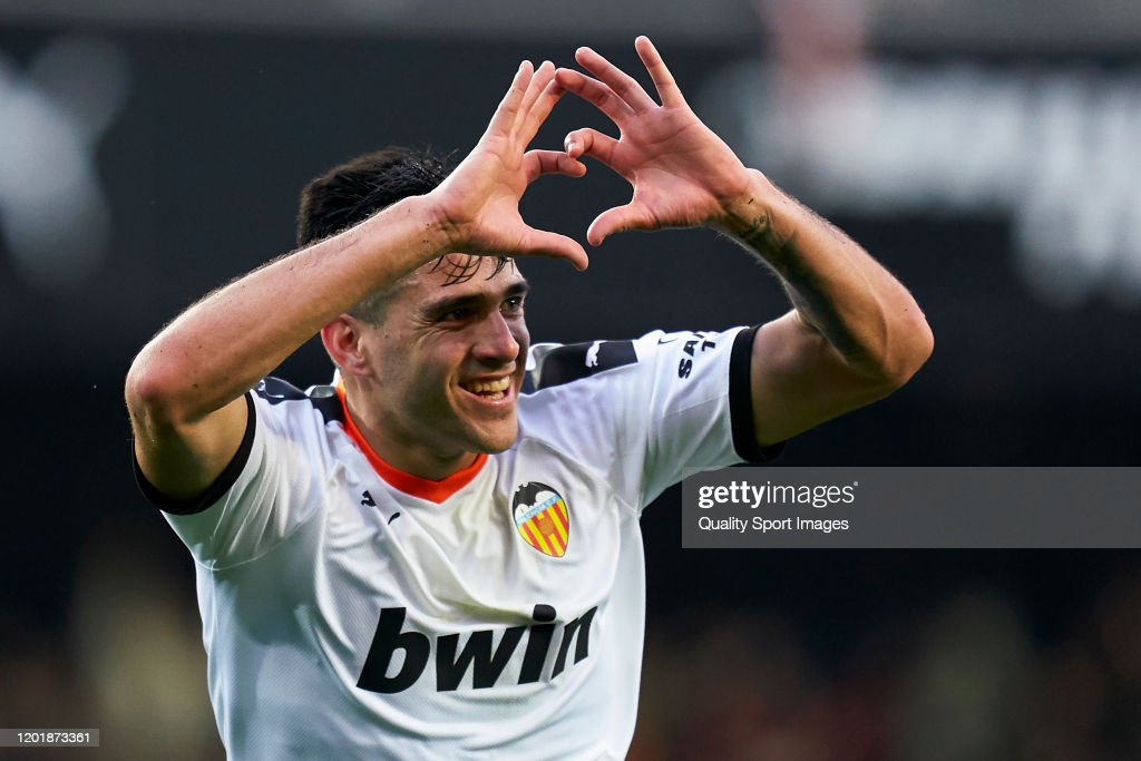 Valencia CF v FC Barcelona  - La Liga : ニュース写真