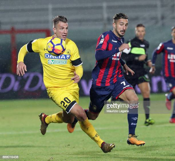 Maxi Lopez of Udinese during the Serie A match between FC Crotone and Udinese Calcio at Stadio Comunale Ezio Scida on December 4 2017 in Crotone Italy