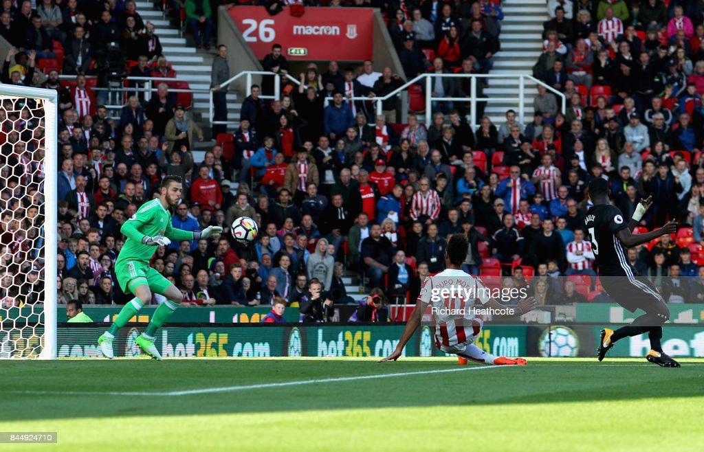 Stoke City v Manchester United - Premier League : News Photo