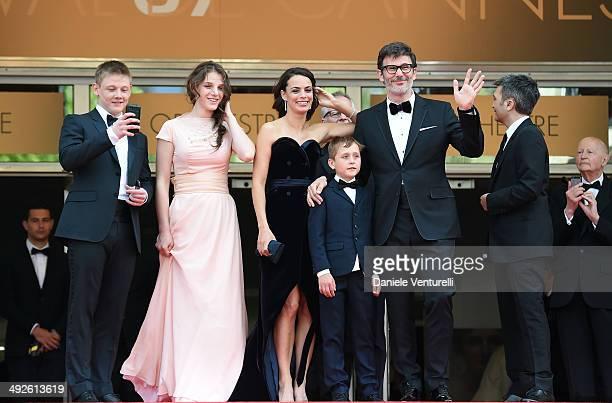 Maxim Emelianov Zukhra Duishvili Berenice Bejo Abdul Khlim Mamamtsuiev Michel Hazanavicius and Thomas Langmann attend 'The Search' Premiere at the...