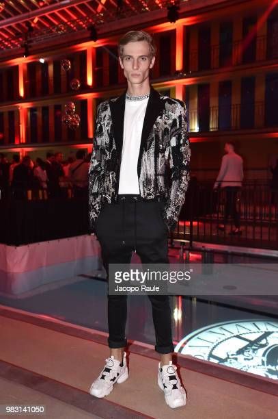running shoes first rate buy sale World's Best After Party Paris Fashion Week Menswear Spring ...
