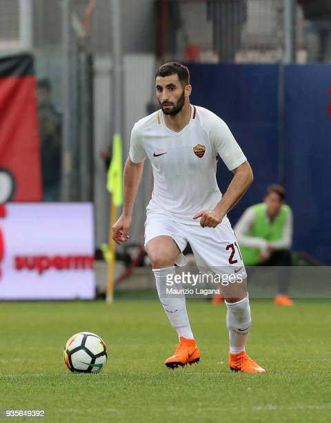 Maxime Gonalons of Roma drives the ball during the serie A match between FC Crotone and AS Roma at Stadio Comunale Ezio Scida on March 18 2018 in...