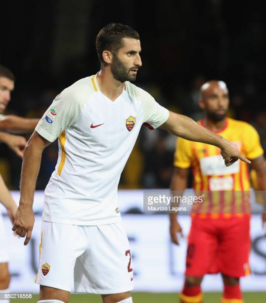 Maxime Gonalons of Roma in action during the Serie A match between Benevento Calcio and AS Roma at Stadio Ciro Vigorito on September 20 2017 in...