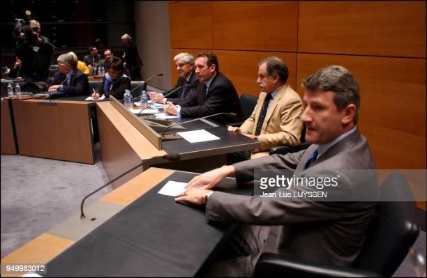 Maxime Gremetz Corinne Lepage JeanPierre Chevenement Francois Bayrou Noel Mamere Philippe de Villiers
