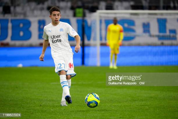 Maxime Lopez of Olympique Marseille kicks the ball during the Ligue 1 match between Olympique Marseille and Toulouse FC at Stade Velodrome on...