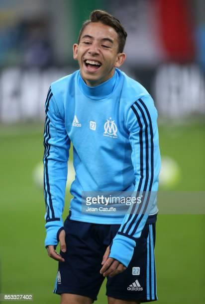 Maxime Lopez of OM warms up before the French Ligue 1 match between Olympique de Marseille and Toulouse FC at Stade Velodrome on September 24 2017 in...