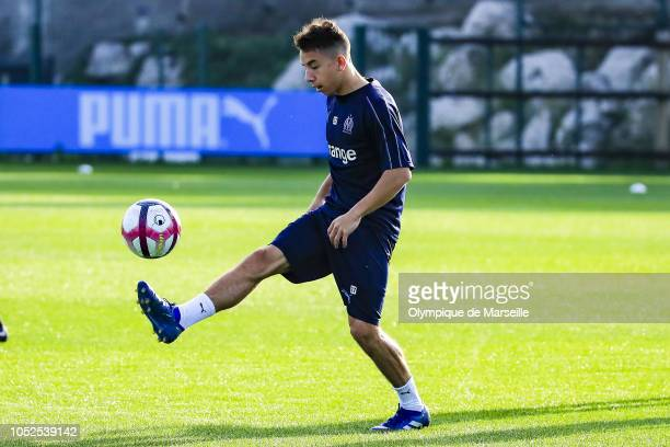 Maxime Lopez warms up during an Olympique de Marseille training session at Robert-Louis-Dreyfus training center on October 19, 2018 in Marseille,...
