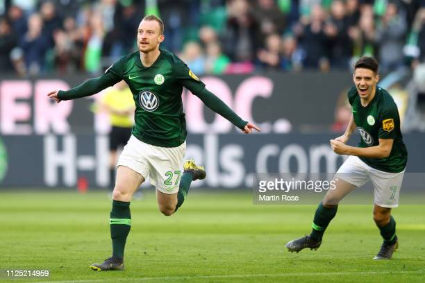 Maximilian Arnold of VfL Wolfsburg celebrates after scoring his team's first goal during the Bundesliga match between VfL Wolfsburg and 1 FSV Mainz...