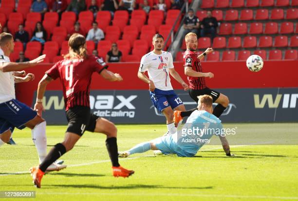 Maximilian Beister of FC Ingolstadt 04 scores the first goal during the 3. Liga match between FC Ingolstadt and KFC Uerdingen at Audi Sportpark on...