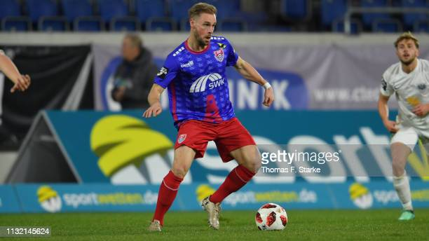 Maximilian Beister of Uerdingen kicks the ball during the 3 Liga match between KFC Uerdingen 05 and SC Preussen Muenster at SchauinslandReisenArena...