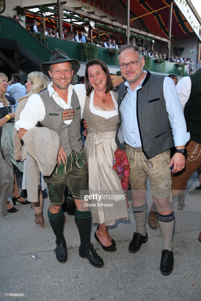 Celebrities At Oktoberfest 2019 - Day 1 : Nachrichtenfoto