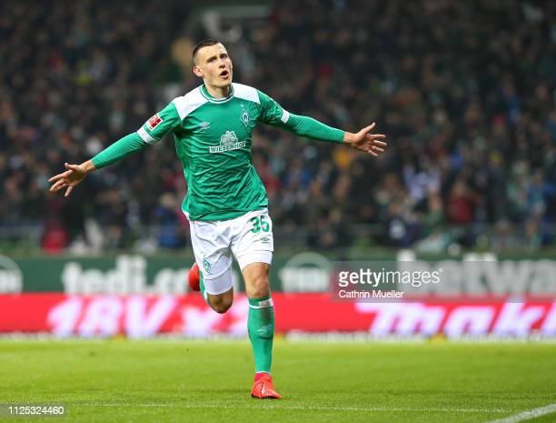 Maximilian Eggestein of Werder Bremen celebrates after scoring during the Bundesliga match between SV Werder Bremen and Eintracht Frankfurt at...