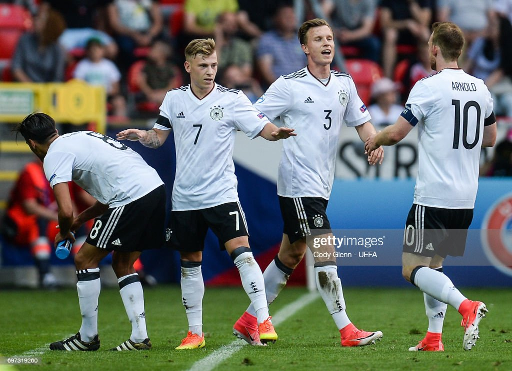 Maximilian Meyer (2nd L) of Germany celebrates scoring his side's first goal with team-mates during their UEFA European Under-21 Championship match against Czech Republic on June 18, 2017 in Tychy, Poland.