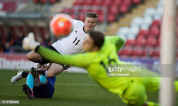 Maximilian Mittelstadt of Germany U20 shoots at goal under a challenge from Kevin Diks of the Netherlands U20 during the U20 International Friendly...