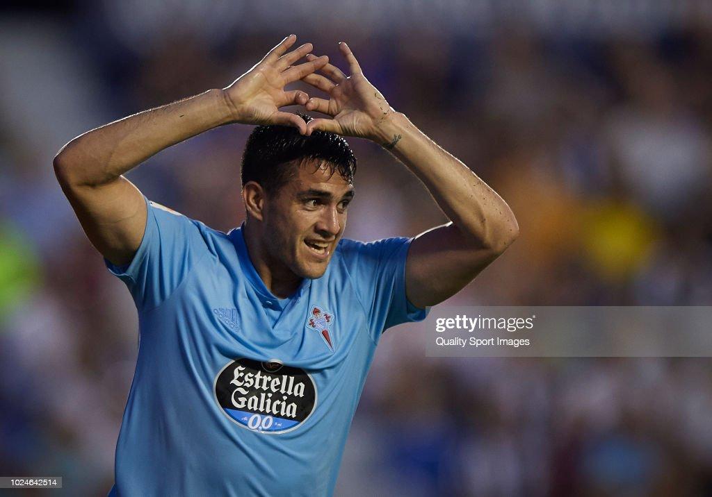 Maximiliano Gomez of Celta de Vigo celebrates after scoring a goal during the La Liga match between Levante UD and RC Celta de Vigo at Ciutat de Valencia on August 27, 2018 in Valencia, Spain.