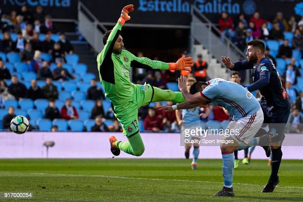 Maximiliano 'Maxi' Gomez of Celta de Vigo scores his team's first goal during the La Liga match between Celta de Vigo and Espanyol at Balaidos...