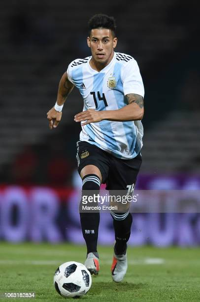 Maximiliano Meza of Argentina drives the ball during a friendly match between Argentina and Mexico at Mario Kempes Stadium on November 16 2018 in...