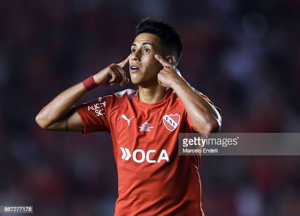 Maximiliano Meza of Independiente celebrates after scoring the second goal of his team during the first leg of the Copa Sudamericana 2017 final...