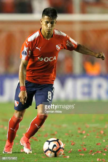 Maximiliano Meza of Independiente kicks the ball during a second leg match between Independiente and Libertad as part of the semifinals of Copa...