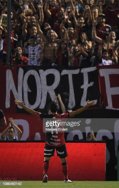 Maximiliano Rodriguez of Newell´s celebrates after scoring the first goal of his team during a match between Newell´s Old Boys and Boca Juniors as...