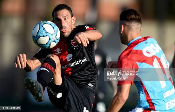 Maximiliano Rodriguez of Newells kicks the ball during a match between Arsenal and Newell's Old Boys as part of Superliga 2019/20 at Julio Humberto...
