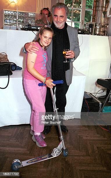 """Maximillian Schell, Tochter Nastassja Schell, """"Lisa-Film-Party"""", Wien/; sterreich, """"Lusthaus"""", Bar, Parkett, Roller, 436/2001,"""