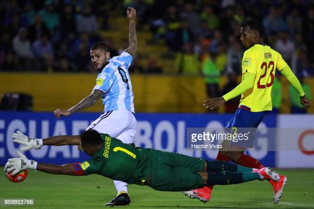 Maximo Banguera of Ecuador saves a shot by Mauro Icardi of Argentina during a match between Ecuador and Argentina as part of FIFA 2018 World Cup...