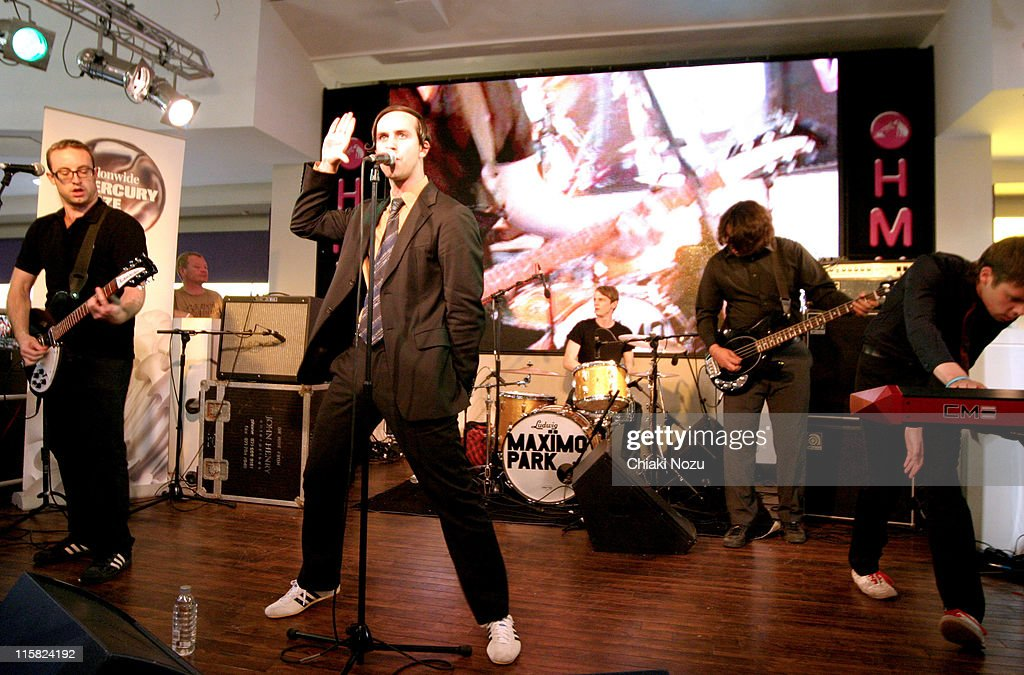 Maximo Park - September 5, 2005 at HMV - Oxford Street in London, Great Britain.