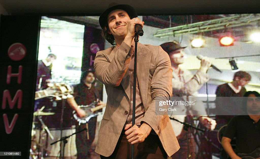Maximo Park Live In-Store Performance at HMV London - April 4, 2007