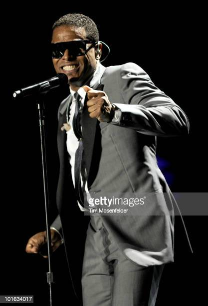 Maxwell aka Gerald Rivera performs in support of his BLACKsummers'night release at Oracle Arena on June 4, 2010 in Oakland, California.