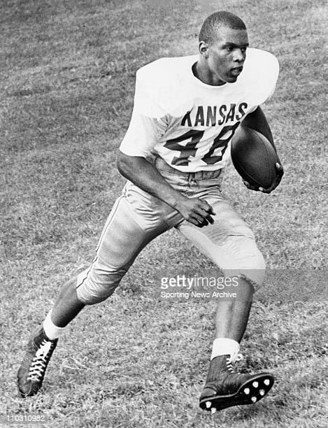 May 02 1963 Kansas Kansas USA GALE SAYERS in 1963 of Kansas