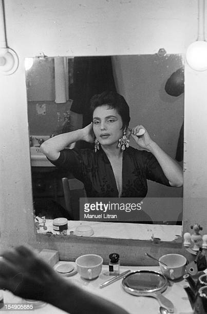 May 19 the Portuguese singer Amalia Rodrigues nicknamed the 'Queen of Fado' concert in the Olympia The singer in her box