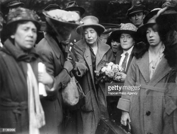 Centre English suffragette Estelle Sylvia Pankurst on her release from prison She is the daughter of Emmeline Pankhurst who founded the Women's...